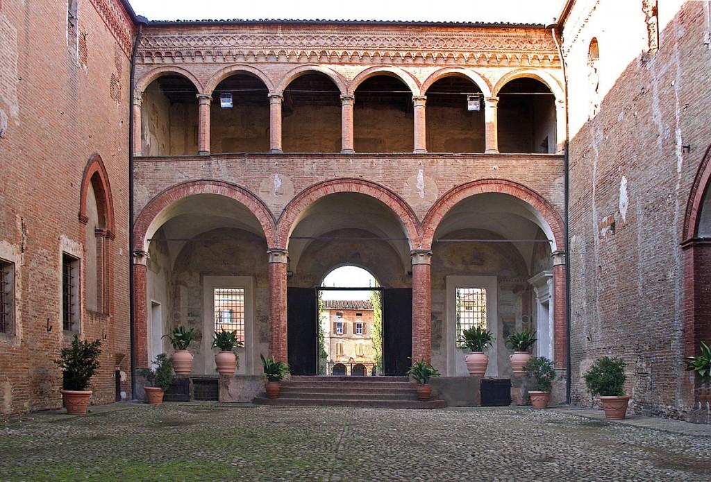 Cortile Rocca Isolani